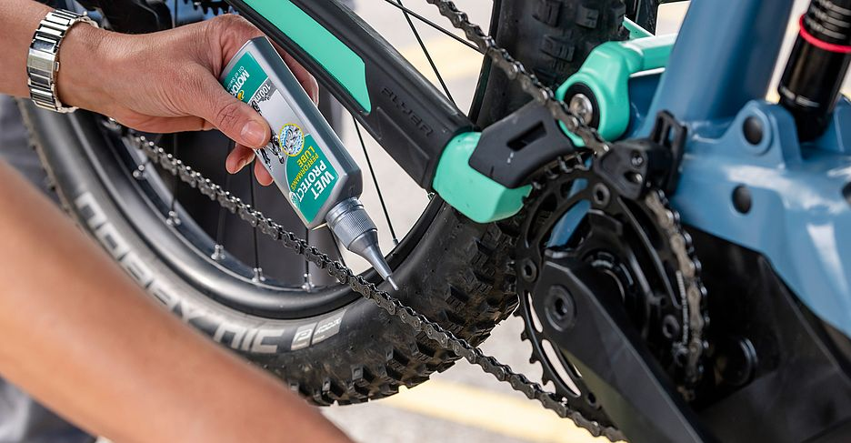 Kettenpflege bei Ihrem FLYER E-Bike im Pflegekurs in Huttwil