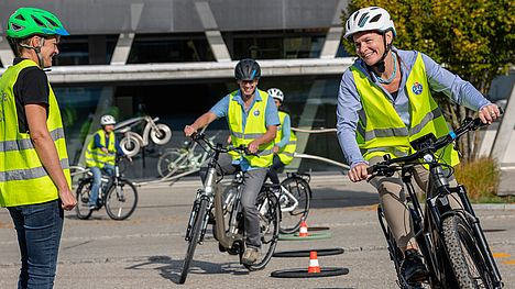 Together with the TCS, FLYER offers driver safety training for e-bikes.